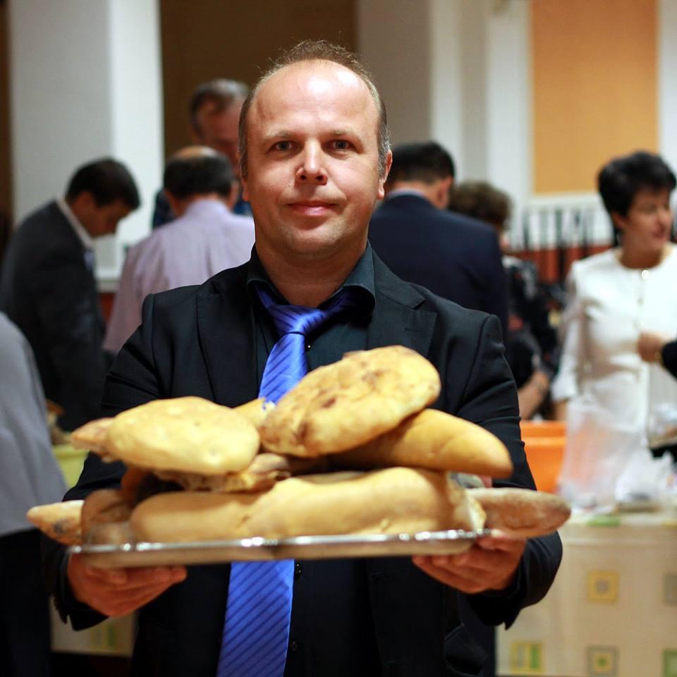 Mariano, volontario avventista. #facciadapane