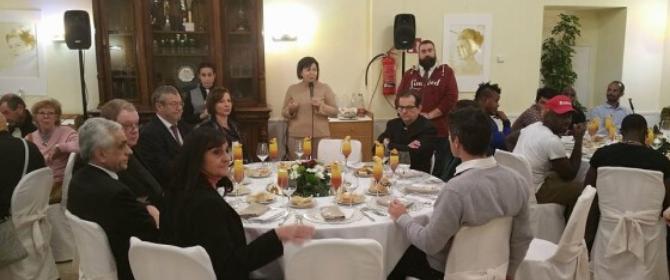 Auguri Papa Francesco, un pranzo in dono ai più fragili